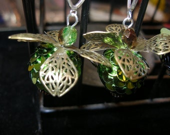 Green flier earrings, earthy, retro chic, trending, chunky, glittery,weightless  etsyBead, olyteam, paganteam, WWWG, CouchSurfingTeam