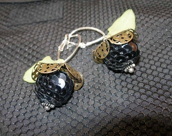 Midnight Flower Earrings    etsyBead, OlympiaEtsy, paganteam, WWWG, FunkyAlternativeJewelry, WitchesofEtsy, Halloween24/7, SupportingArtists