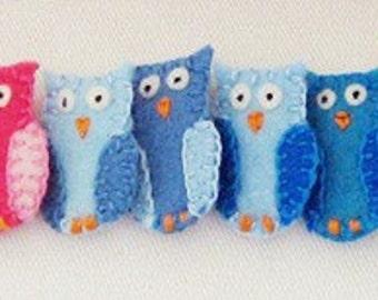 Custom Hoot Owl embroidered felt pin brooch