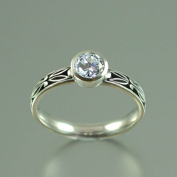 AUGUSTA 14K gold 0.5ct Moissanite engagement ring