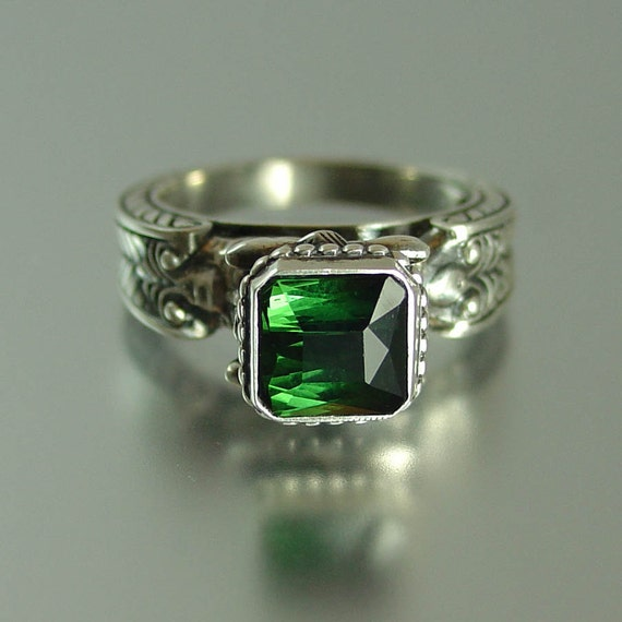 CARYATID Silver Ring with octagon Green Tourmaline