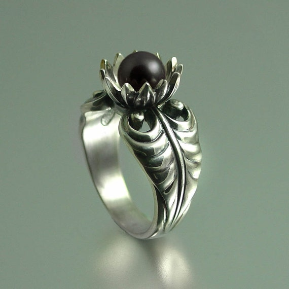 LOTUS silver ring with Black Pearl