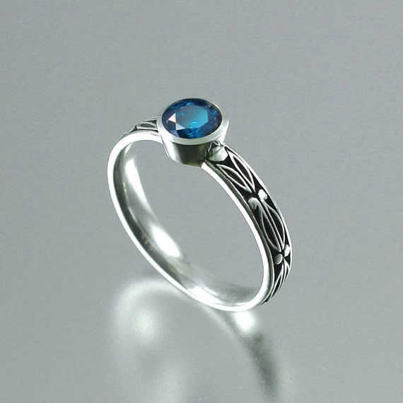 AUGUSTA 14K gold Blue Diamond ring
