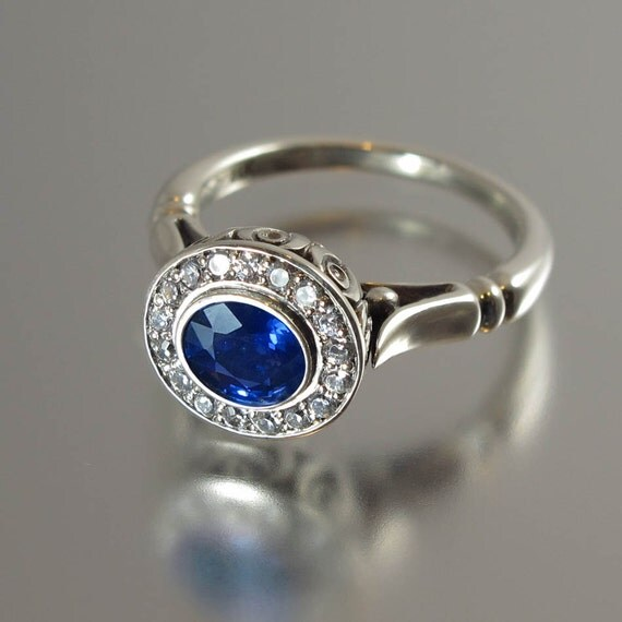 THE SECRET DELIGHT 14k gold Blue Sapphire engagement ring