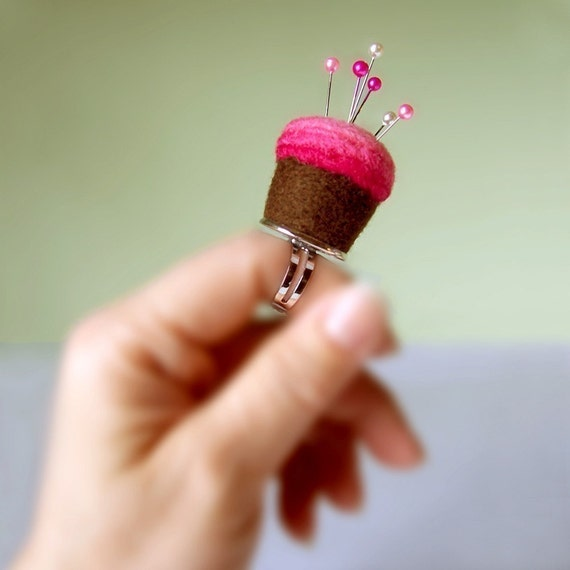 Pincushion Ring - Chocolate and Strawberry