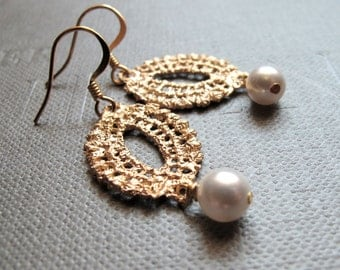 14K Gold Lace with Pearls Bridal Earrings // 14K Matte Gold Lace Cast Filigree Charm // White Swarovski Pearls // Gold Plated Earrings