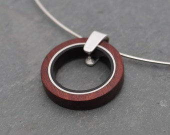 Ometepe Madera Ecofriendly Necklace - organic wood and palm tree seed circle necklace