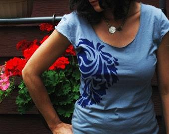 Yoga Shirt, Women tops tshirts, silkscreen gray tee shirt with paisley design, S-XL, graphic tees for women