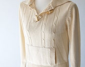 Cable Sweater . cabled cream knit jumper . kangaroo pocket . wooden toggle buttons . xs s m