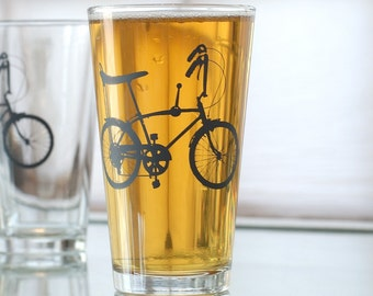 Wheelie bike - vintage 70s biycle pint glass