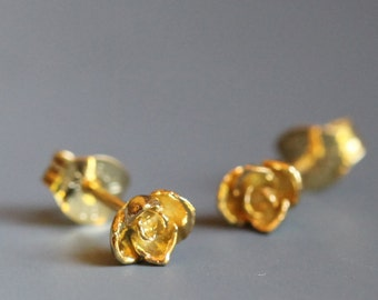 Tiny flower earrings, 14k gold roses, smallest size