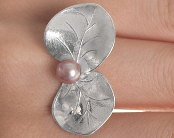 Eucalyptus Leaf Ring with pearl- (medium leaf size)