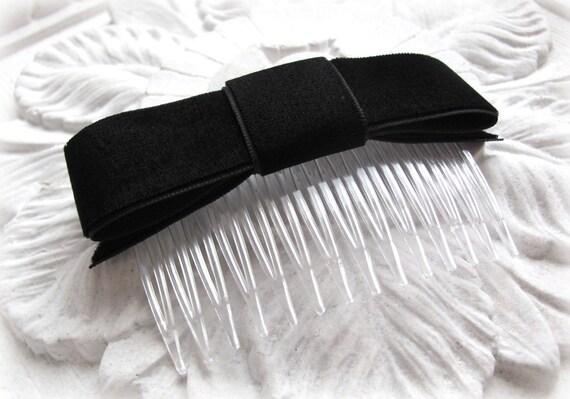 Black Velvet Bow Hair Comb.Classic Bow.Black Velvet Ribbon bow.Hair Bow.Black Velvet fascinator.headpiece.Bow hair comb.black velvet bow