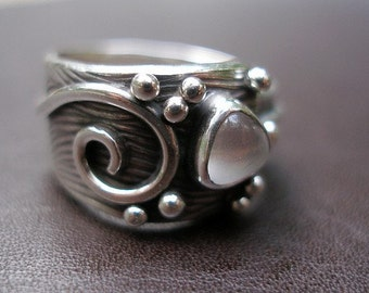 Dove Ring in Sterling and Moonstone