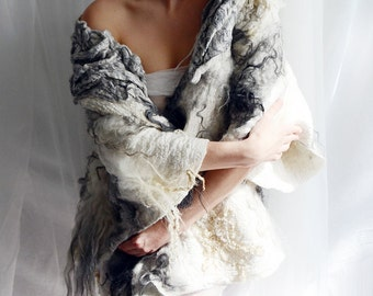 Reserved for Lison! White and grey felt coat fur free kimono by vilte OOAK - partial payment