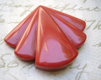 Deco cabs LaRgE (1) fan shaped Vintage lucite pendants cabochons carnelian brick  red 1.5 inches(1)