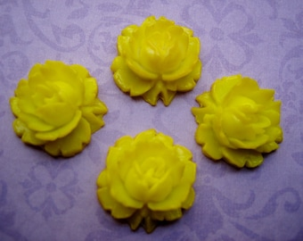 vintage yellow roses  (4) cabs cabochons lucite flatback carved West German 17mm (4)