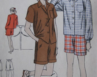 Vogue 3137, 1940s shirt and shorts