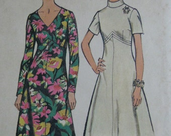 Simplicity 5850, 1970s dress with flared skirt, shaped waist