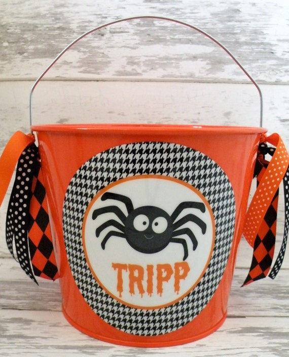 Houndstooth spider Halloween candy bucket - pail for trick or treating - candy bucket for halloween - halloween decor - party favors