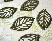 20 small filigree leaves, brass plated lead and nickel free, 24x14mm