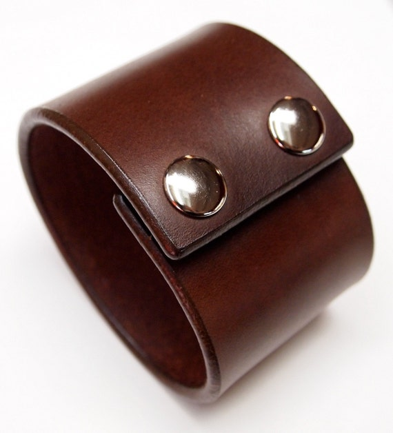 Leather cuff Bracelet Brown bridle Leather wristband with polished snaps made for YOU In NYC by Freddie Matara