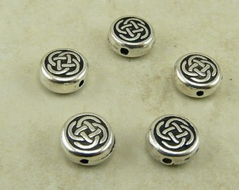 5 TierraCast Small Celtic Knot Circle Beads - Irish St Patricks Day Round - Fine Silver Plated Lead Free pewter  I ship Internationally 5525