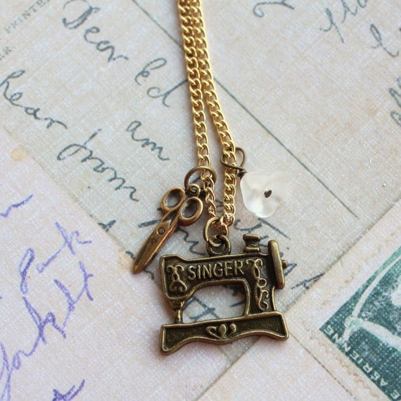 Singer Sewing Machine Charm Necklace, Seamstress Necklace, Gifts for People that Sew, Affordable Charm Necklace, Quirky charm necklace
