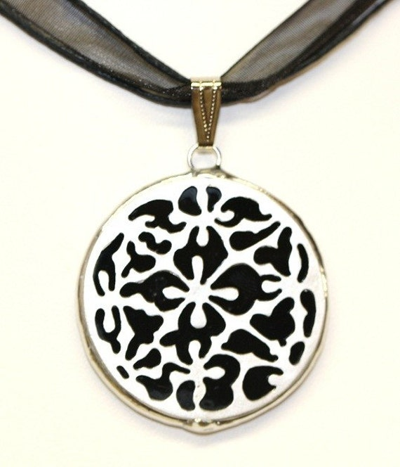 Round Stained Glass and Filigree Pendant - SGM-P4