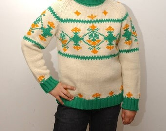 SKI ADVENTURE . vintage 1970 cream and green sweater . fits a small - medium