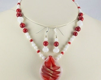 Bold Red Coral and Bright White Marble,Quartz Lampwork Necklace Set