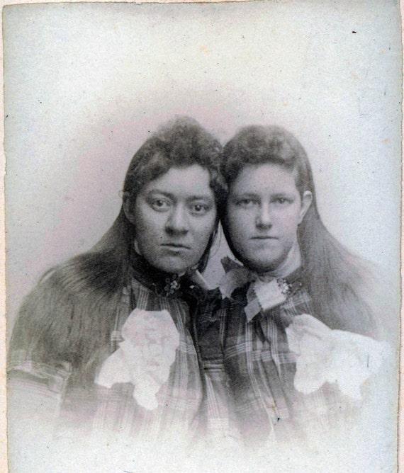 vintage photo Sisters Long Hair  unusual CDV