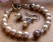 Pearl and Crystal Bracelet, Bridal Bracelet, Vintage Inspired Jewelry, Old Fashiones Bracelet, Antique Brass Bracelet