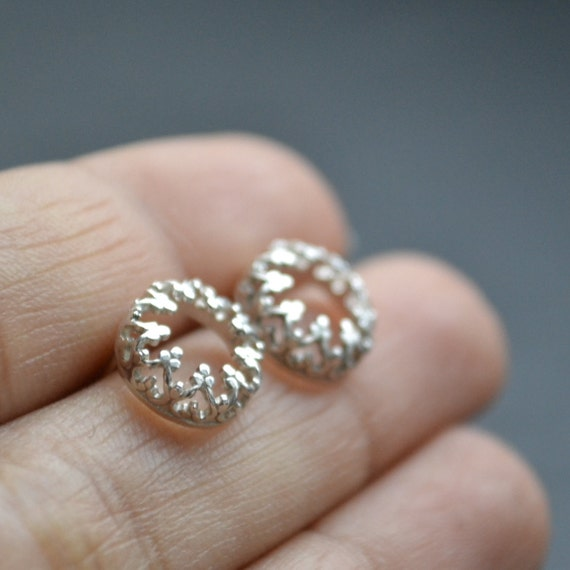 There is no queen without a crown- post silver earrings, studs