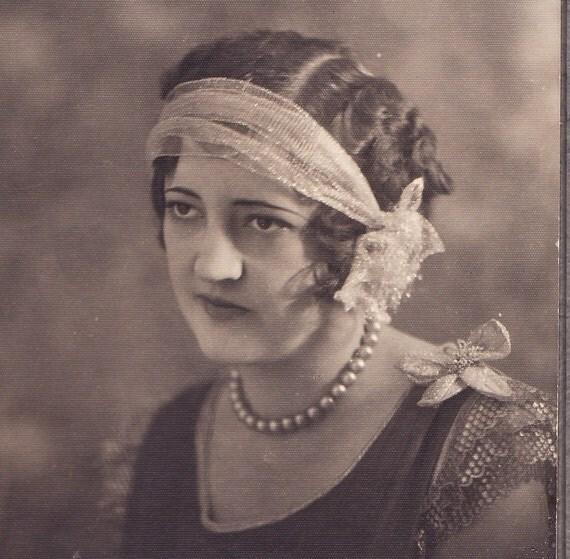 Thoroughly Modern Millie - Vintage Flapper Studio Portrait