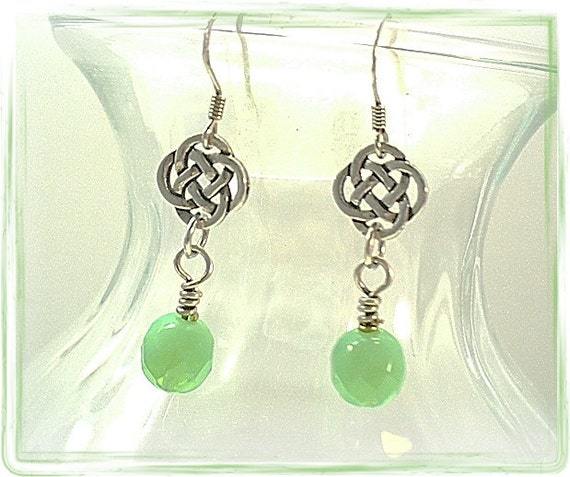 Celtic Earrings Endless Knot Pierced Earrings  E0906-01