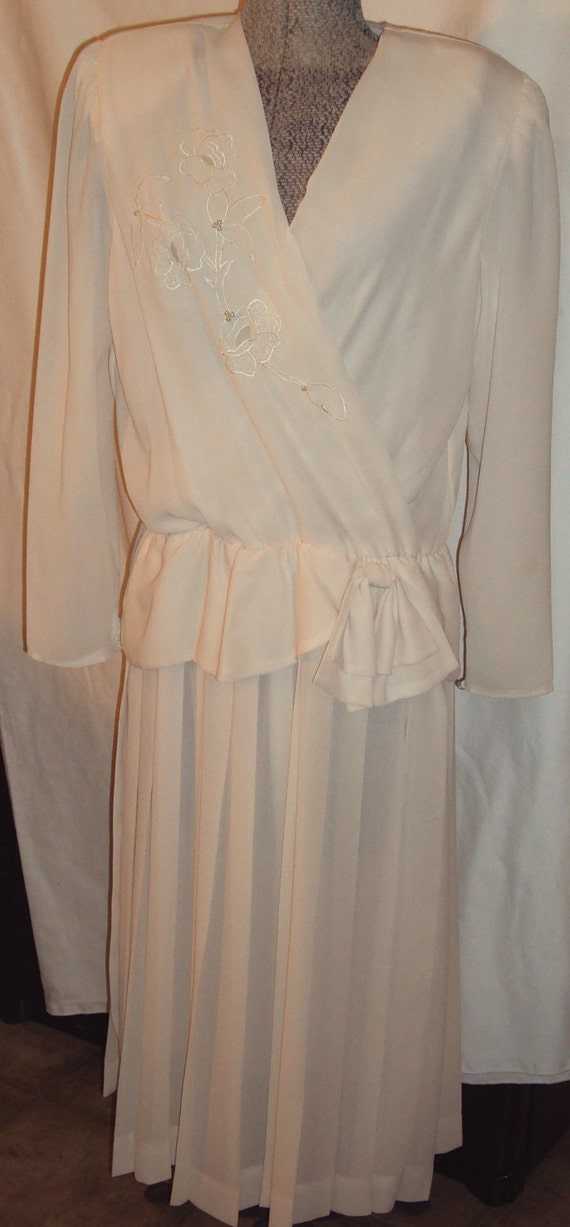 1980's Vintage  Holiday  Wedding Polyester Dress by Liz Roberts Size 12 Creamy Beige Semi Sheer