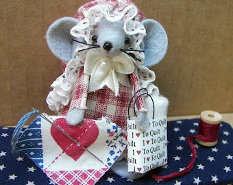 Quilter Felt Mouse-Gift for Quilter Fabric Lover Seamstress Red White Blue
