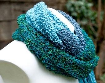 Vegan friendly / handknit / SUNNA //  scarf  ooak   slate grey  blue  fringe