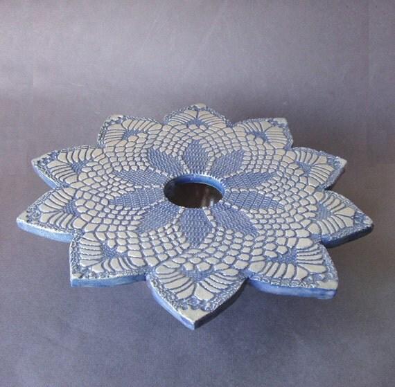 handmade pottery vase . blue lace