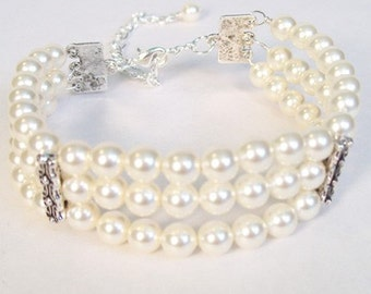 Cream Cuff Bridal Bracelet, Chunky Wedding Bracelet, Ivory Bridal Jewelry, Wedding Jewelry Bracelet, off white, diamond white, soft