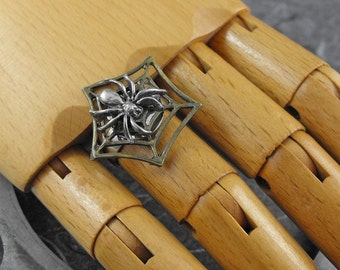 Spider Web Adjustable Ring - The Spider's Parlor by COGnitive Creations