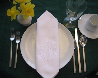 Monogrammed cloth dinner napkins with BUTTONHOLE set of 6, includes shipping in the US