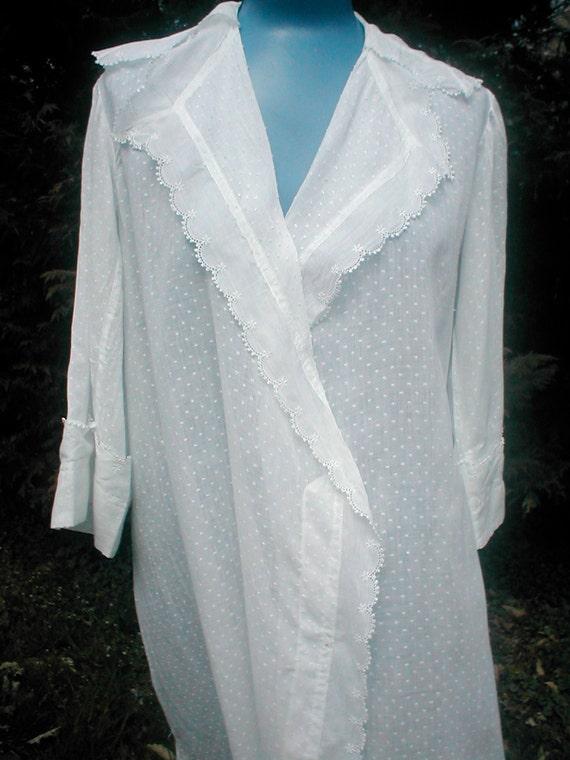 Vintage Lane 40s Bryant Full Length Dressing Gown - Crisp White Dotted Swiss - Long Robe