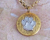 PAW PRINT LOCKET Necklace for Dog Cat Rabbit Lovers Vintage Style Paw Print Jewelry. Victorian Style Locket. Silver Pawprint on Gold Locket