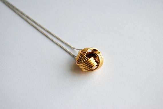 Gold Knot Necklace - FREE US Shipping