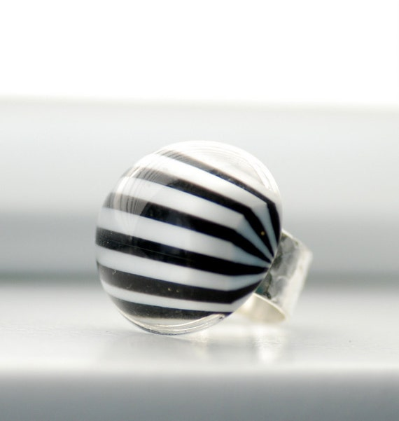 Big Chunky Ring, Black and White Ring, Hammered Ring, Statement Ring, Striped Jewelry, Sterling Silver Plated, Adjustable Ring