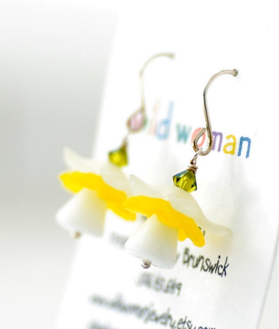 Yellow Daffodil Earrings, Lucite Jewelry, Vintage Glass Earrings, Flower Earrings, Spring Earrings, Swarovski Elements and Sterling Silver