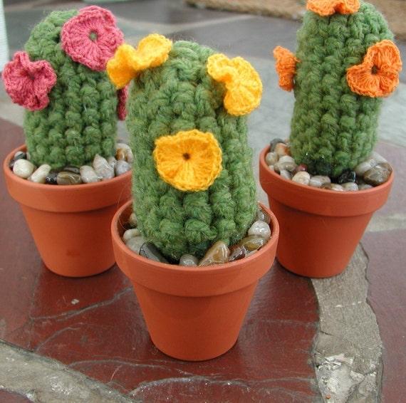 Crochet Cactus-  Yarnius Crochetius