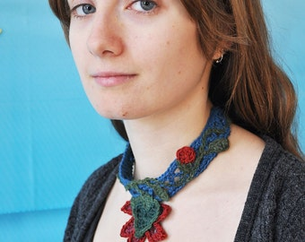 Crocheted hemp necklace with freeform flowers and vines